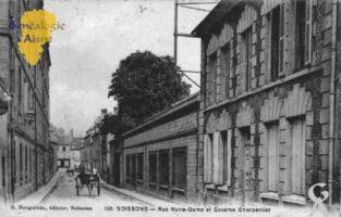 Rue Notre-Dame et Caserne Charpentier  - Contributeur : Guy Gilkin