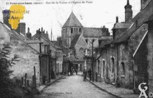 Rue de la Valise et l'Église de Vaux. En ville basse, le faubourg de Vaux sous Laon existe probablement avant même le haut Moyen Âge.  - Contributeur : Guy Gilkin