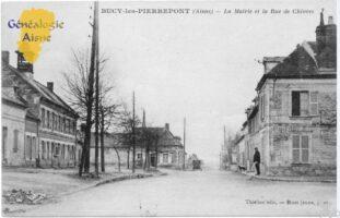 La mairie et la rue de Chivres - Contributeur : A.Giffard