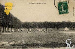 La place en 1912 - Contributeur : CPA:N.Gilbert
