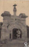 Partie du portail de l'ancienne église - Contributeur : T.Martin