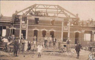 Construction de l'école - Contributeur : T.Martin