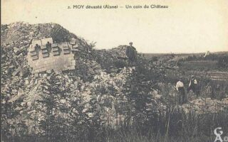Un coin du château détruit - Contributeur : T.Martin