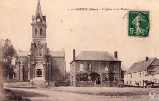 L'église et la mairie - Contributeur : André Demolder