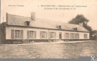 Maison bâtie sur l'emplacement où Jeanned'Arc fut enfermée - Contributeur : R.Hourdry
