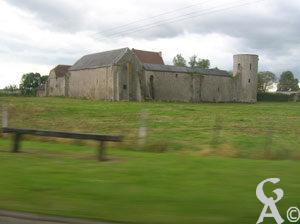Ce qu'il reste du château. C'est aujourd'hui une grosse ferme.<br>Photo:N.Gilbert