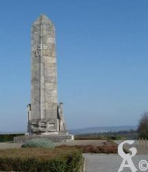 Ce monument est dédié à la 36è division d'infanterie. De nombreux soldats du sud-ouest composaient ce régiment. Source : Vallée de l'Aisne. Contr : Jean louis Delage.