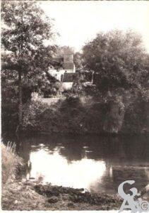 église et rivière