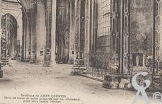 La Basilique en ruines - Série de trous de mine préparés par les Allemands pour faire sauter l'édifice.