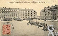 La caserne dans le passé - 87éme Régiment d'infanterie. Formation de la Compagnie avant le départ pour la marche.