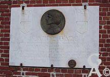 L'église - Plaque commémorant le passage de Jeanne d'Arc