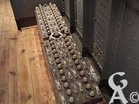 Le touage de Riqueval - Le toueur : les batteries