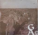 Pendant la Guerre - Soldats allemands se rendant.