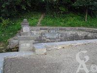 La source de la Somme - Fonsommes se trouve auprès de la source de la Somme, à dix kilomètres vers le nord-est de la ville de St.Quentin.