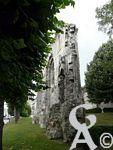 L'abbaye Notre Dame - Abbaye royale de bénédictines fondée à l'époque mérovingienne, l'abbaye Notre Dame acquiert une grande renommée grâce à sa riche collection de reliques dont