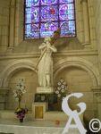 La cathédrale - Statue de Jeanne d'Arc.