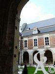 L'abbaye St Michel - Ce sont des évangélisateurs venus d'Ecosse qui s'y installent grâce à l'appui Herisinde, comtesse du Hainaut. Elle leur offrit les terres et une