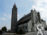L'église Ste Thérèse - Le clôcher de l'église va être détruit.