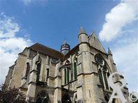 L'église - Du XIIIe siècle, classée aux Monuments historiques depuis 1841.