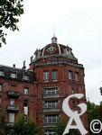 Le Familistère - Est le nom donné par Godin aux bâtiments d'habitation qu'il fait construire pour ses ouvriers et leurs familles à partir de 1859 et jusqu'en 1880