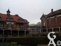 L'orphelinat et l'hospice Cordier  - L'ensemble orphelinat et Hospice Cordier était situé, avant 1914, route de Savy, au plus haut niveau de la ville. C'est le généreux legs du docteur Hilaire Cordier, né à Ribemont en 1820, décédé en mars 1886, qui avait permis leur édification.