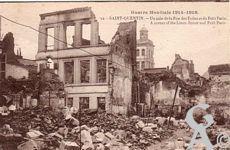 Les rues en ruines - Un coin de la rue des Toiles et du Petit Paris