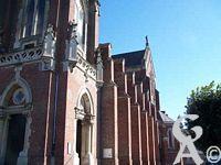 L'église Notre-Dame de Lourdes - Vue latérale