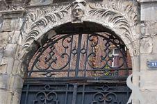 La porte des cannoniers
