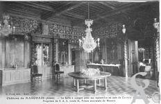 Le château - La salle à manger avec ses tapisseries en cuir de Cordoue du XVIIé siècle.