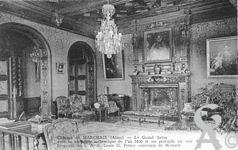 Le château - Le grand salon avec sa cheminée authentique de l'An 1600 et ses plafonds en cuir de Cordoue.