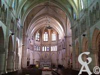 L'église Notre-Dame de Lourdes - La nef vue de l'entrée