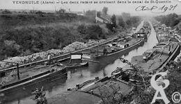 Le canal - Les deux rames se croisant dans le  canal de Saint-Quentin