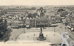 La Place de l'Hôtel de Ville dans le passé - Panorama pris du Beffroi