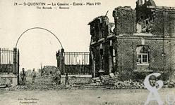 Les Monuments et Edifices en ruines - La Caserne - Entrée - Mars 1919