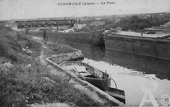 Le canal - Le pont