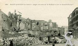 Les rues en ruines - Angle des rues de la Sellerie et de la Sous-Préfecture.
