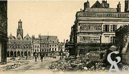 Les rues en ruines - La Place de l'Hôtel de Ville