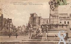 Les Monuments et Edifices en ruines - Monument de la Défense, Place de l'Hôtel de Ville