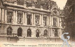 Les Monuments et Edifices en ruines - Le Palais de Justice. (Cliché section photographique de l'armée)