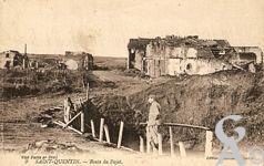 Les rues en ruines - Route du Fayet.