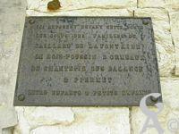 La commémoration et le souvenir - Ici reposent devant cette porte les corps des familles de Gaillard de la Fontaine de Bois-Poussin D'Ormeaux de Chantepie des Balange et Piermet. Leurs enfants et petits enfants.