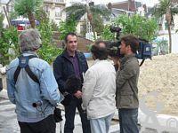 Documents divers - Sébastien SARTORI  filmé le 27/07/2009 par les journalistes de TF1 dans le cadre de la prestation Généalogique Touristique que nous proposons  avec le concours de l'office de Tourisme de Saint-Quentin.