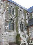 L'église - Une maquette (permettant de bien se représenter toutes les tours, tourelles et échauguettes) est exposée à l'intérieur de l'édifice lui-même.