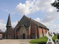 L'église - Saint-Lambert construite pour partie grâce aux dommages de guerre dans les années 1920.