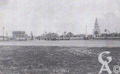 L'église - Vue de la Chapelle et du Rond Point de la Victoire, le 22 Octobre 1923.