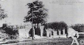 L'église - En 1921, le Vieux Cimetière et l'Emplacement de l'Église, détruite par l'ennemi.