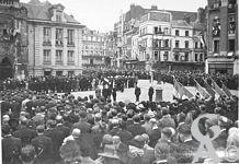 La libération de Saint-Quentin  - Cérémonie de l'enterrement des victimes de la libération de la ville le 02/09/1944.