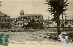 Les rues en ruines - La place Henri IV