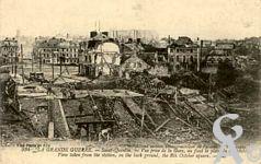 Les rues en ruines - Vue prise de la gare