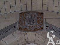 L'église Notre-Dame de Lourdes - Blason et devise de la commune